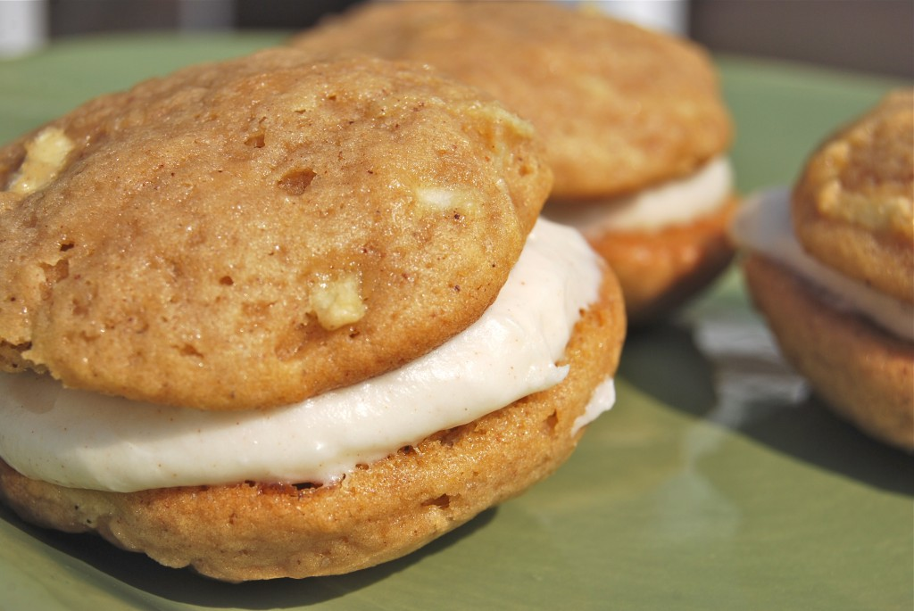 Apple Whoopie Pies with Cinnamon Cream Cheese Frosting