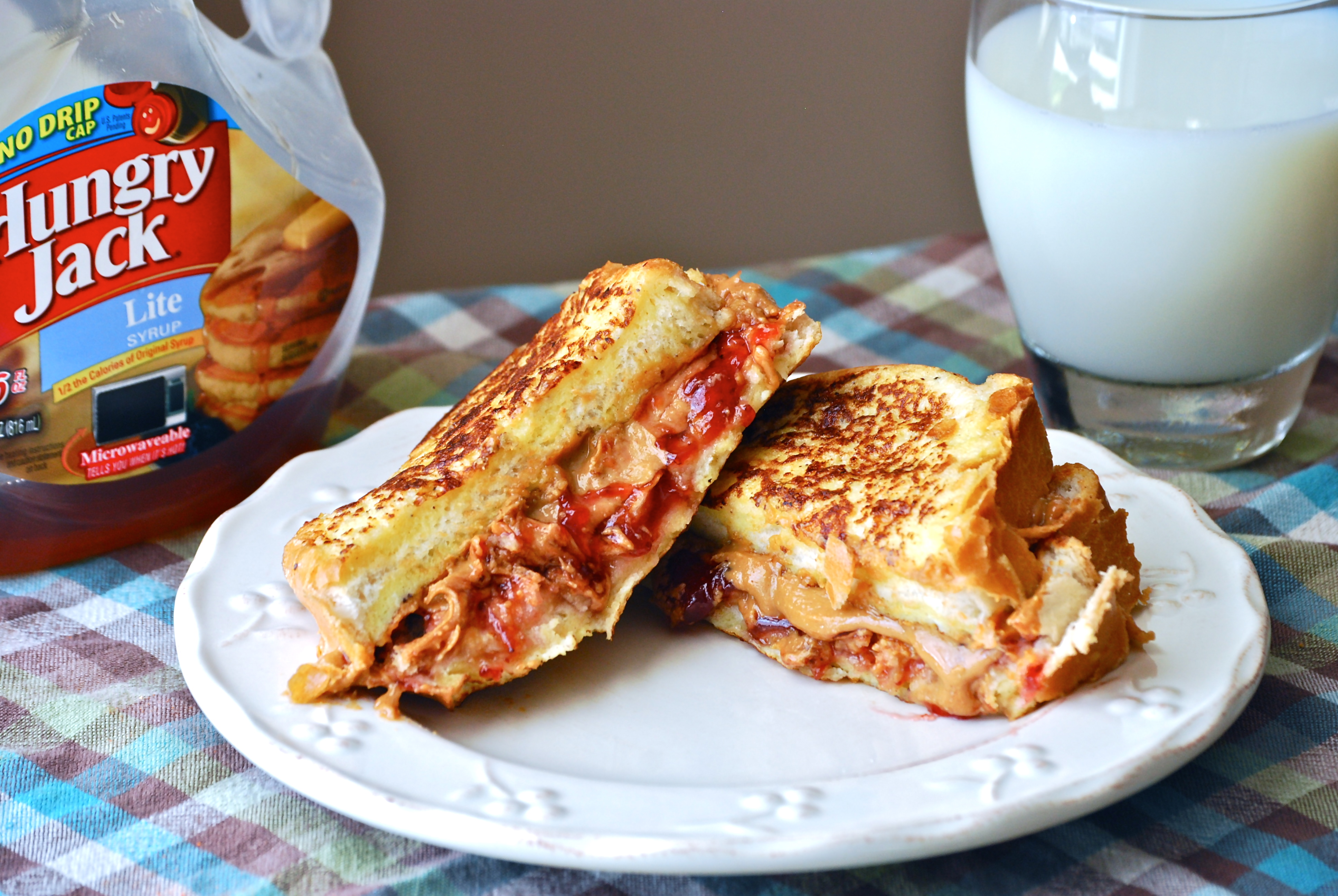 Peanut butter jelly french toast sandwich macaroni and cheesecake peanut ccuart Images