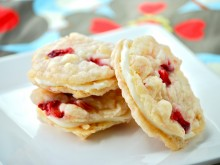 Strawberry Cheesecake Sandwich Cookies (Guest Post)