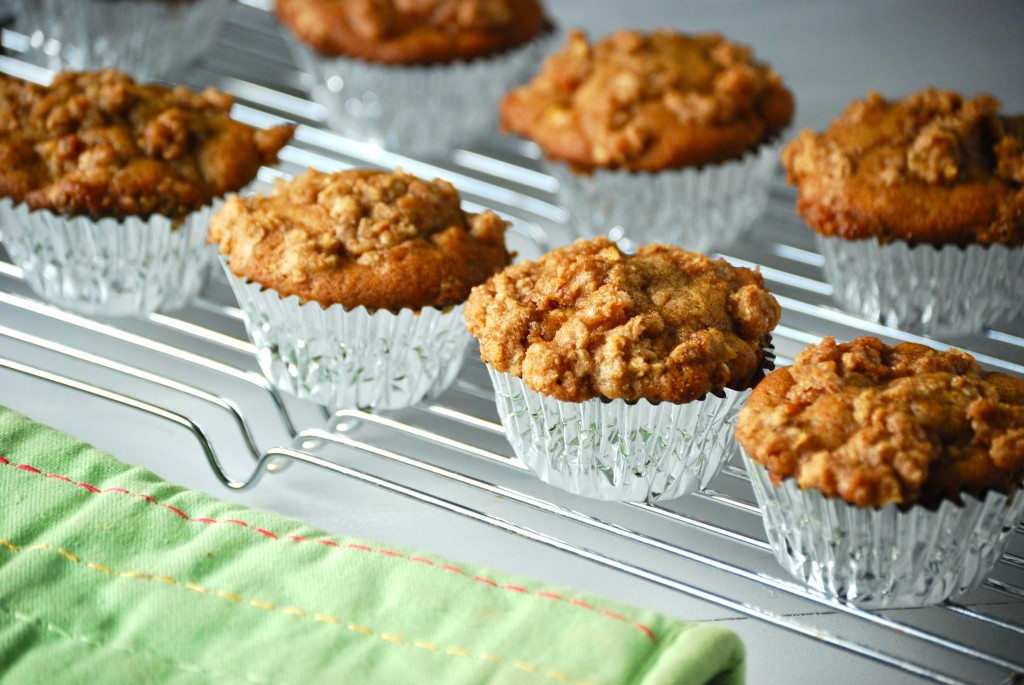Apple Pie Muffins - Macaroni and Cheesecake
