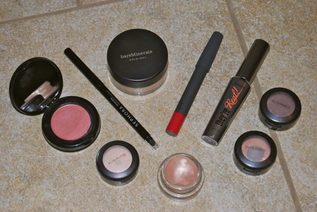Strawberry on Top: A peek inside my makeup bag