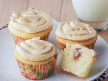 Cake Boss Peanut Butter & Jelly Cupcakes {Virtual Baby Shower}