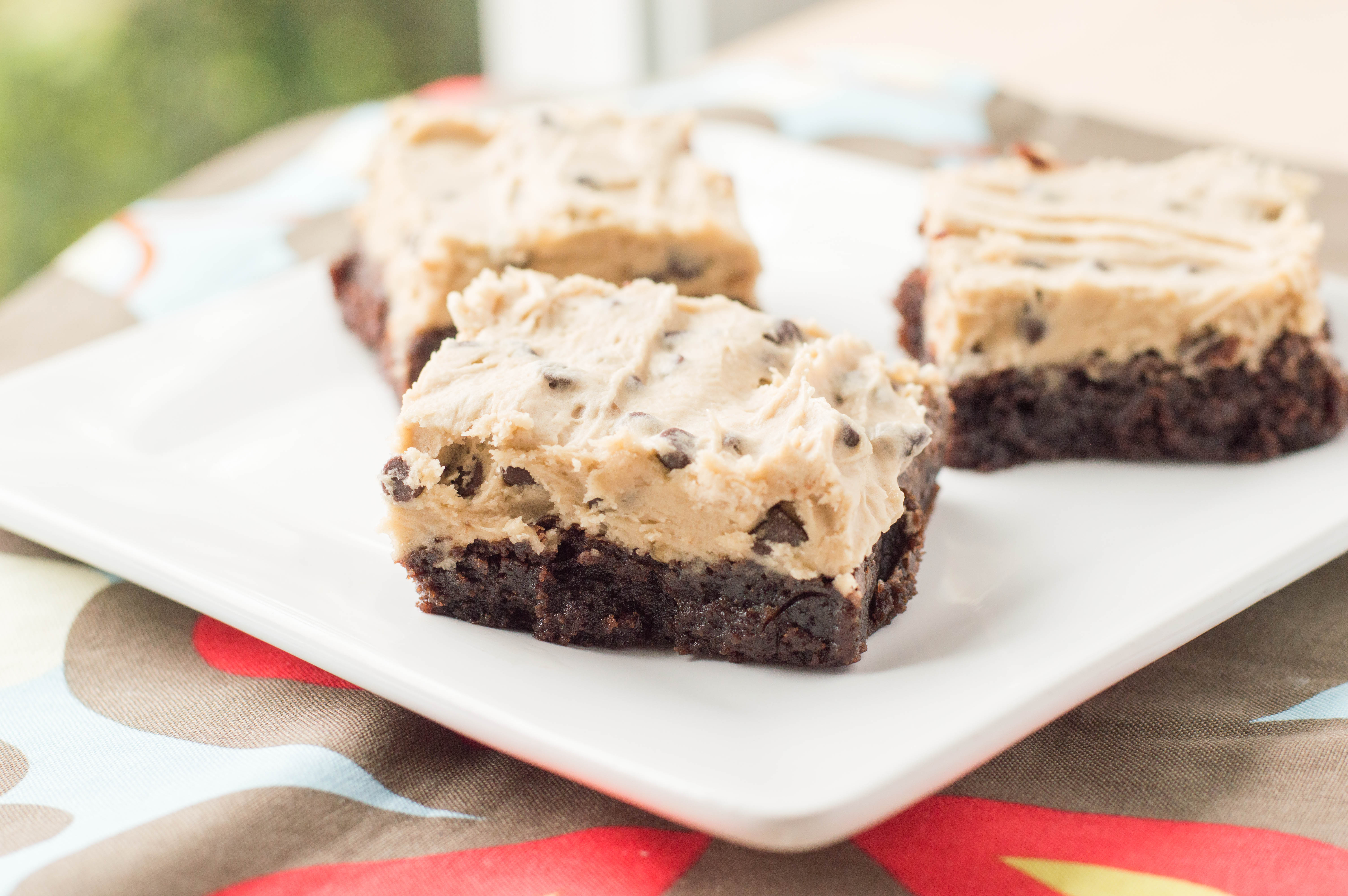Chocolate Chip Cookie Dough Brownies - Macaroni and Cheesecake