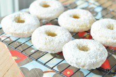 powdered donuts (7 of 10)