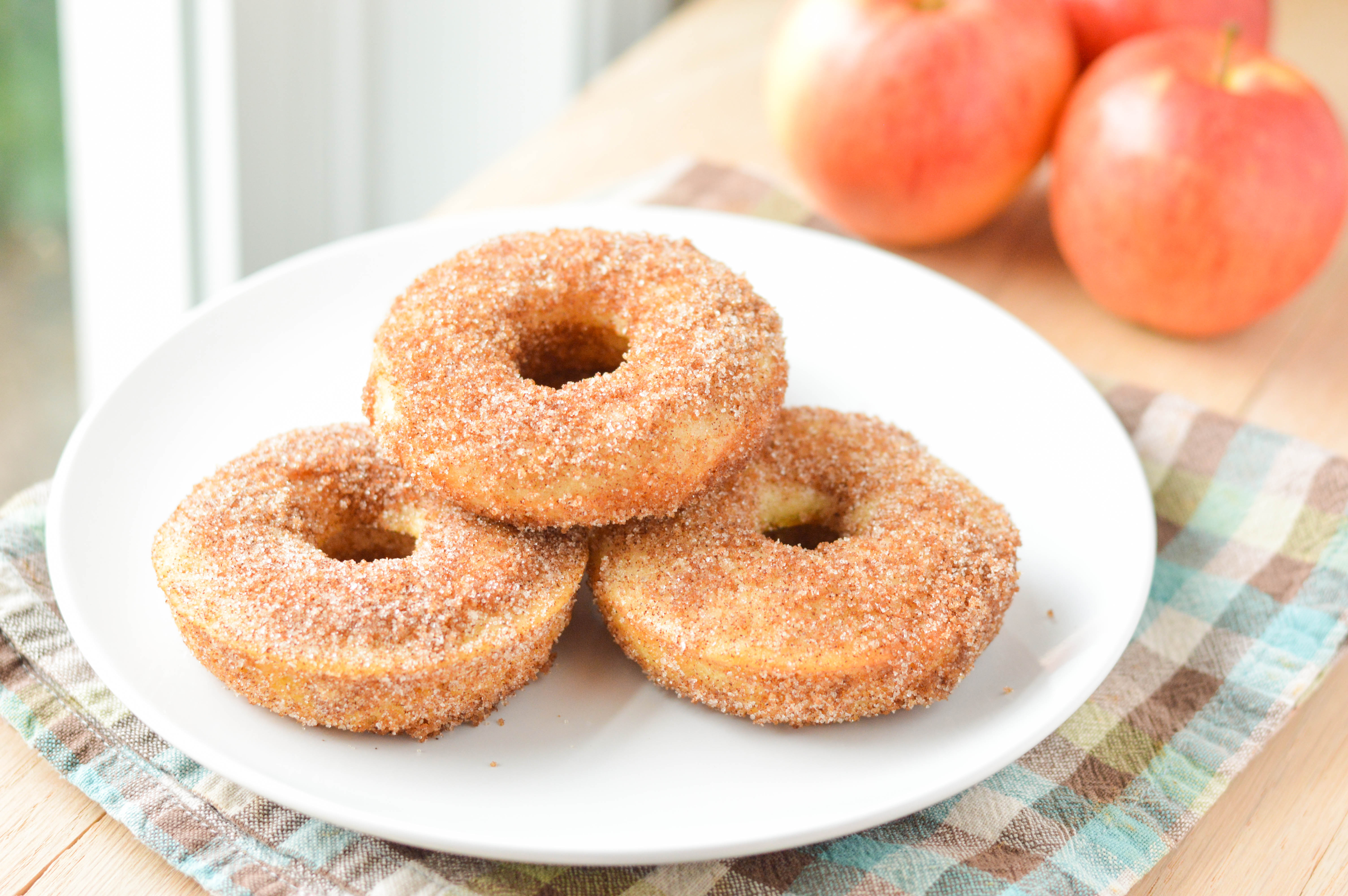 Apple Cider Donuts - Macaroni and Cheesecake