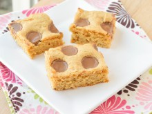 Reese Cup Blondies