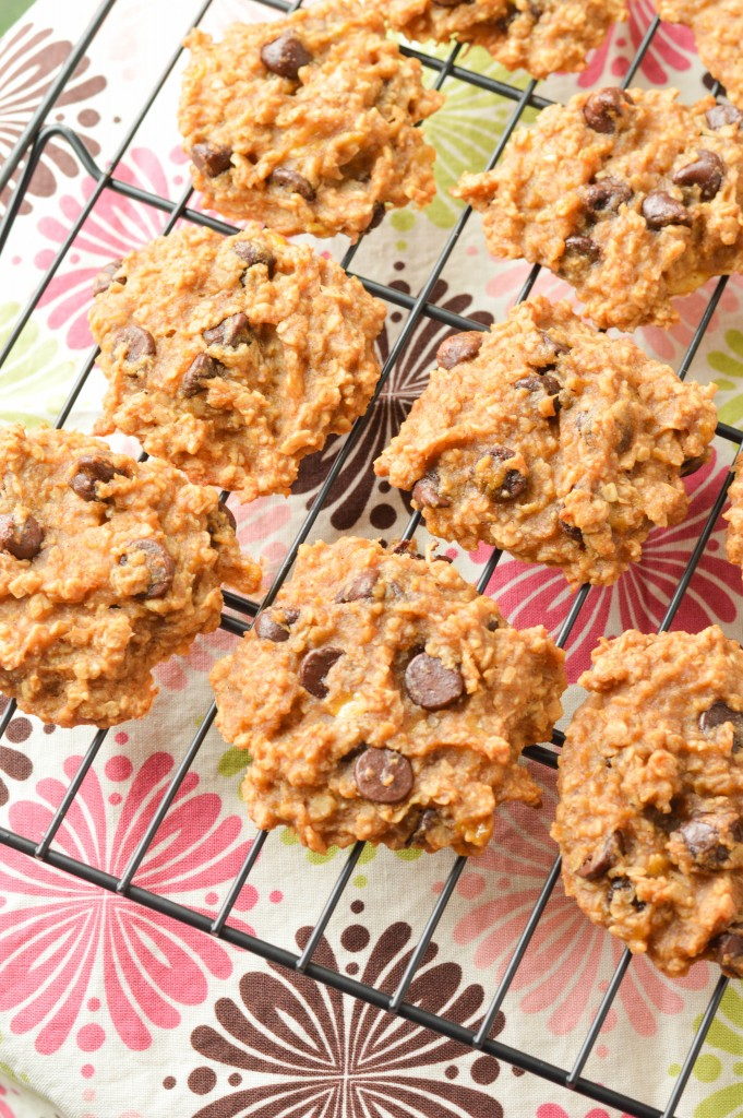 healthy chocolate chip cookies (6 of 7)