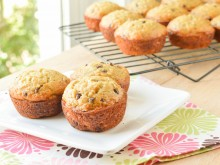 5 Star Banana Chocolate Chip Muffins
