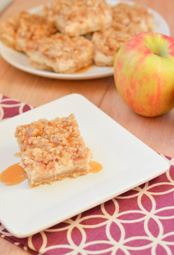 Caramel Apple Cheesecake Bars {Macaroni and Cheesecake}