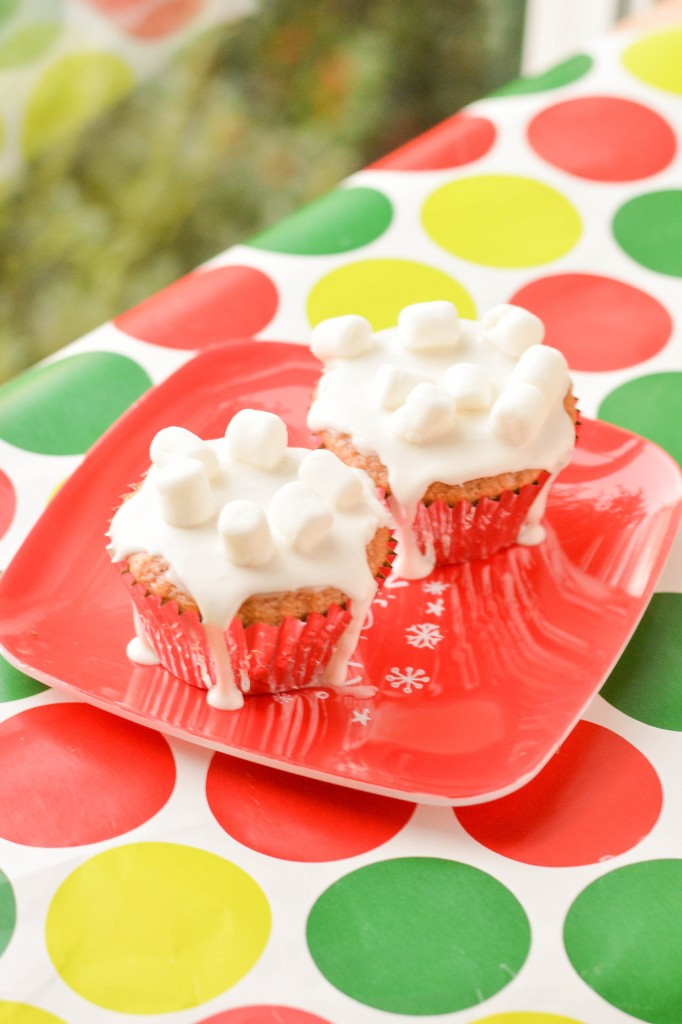 Hot Chocolate Cupcakes {Macaroni and Cheesecake}