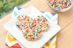 Sprinkle Sugar Cookies {Macaroni and Cheesecake}