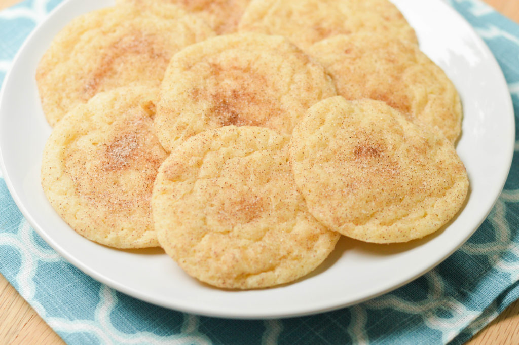 Copycat Disneyland Snickerdoodle Cookies {Macaroni and Cheesecake}