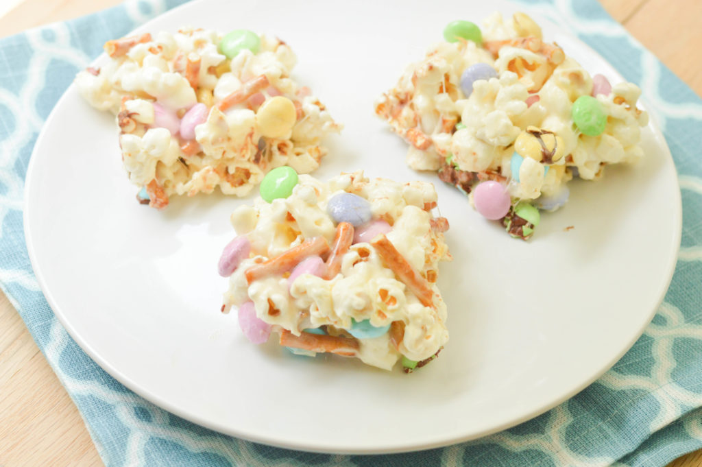 Movie Popcorn Bars {Macaroni and Cheesecake}