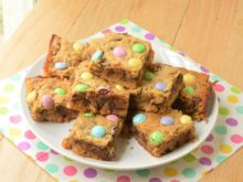 Peanut Butter Gooey M&M Bars