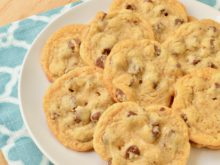 Mrs. Fields Copycat Chocolate Chip Cookies